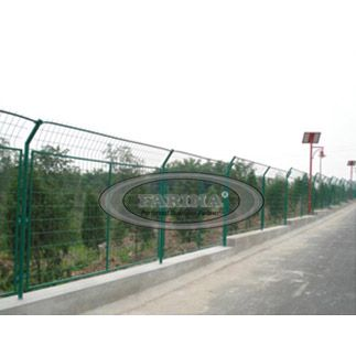 Wire Mesh Fence Materials: Heavy Low Carbon Wire, Heavy Mild Steel Wire, Stainless Steel Wire. Openings: 50x50, 50x70, 75x150mm, 50mmx200mm.