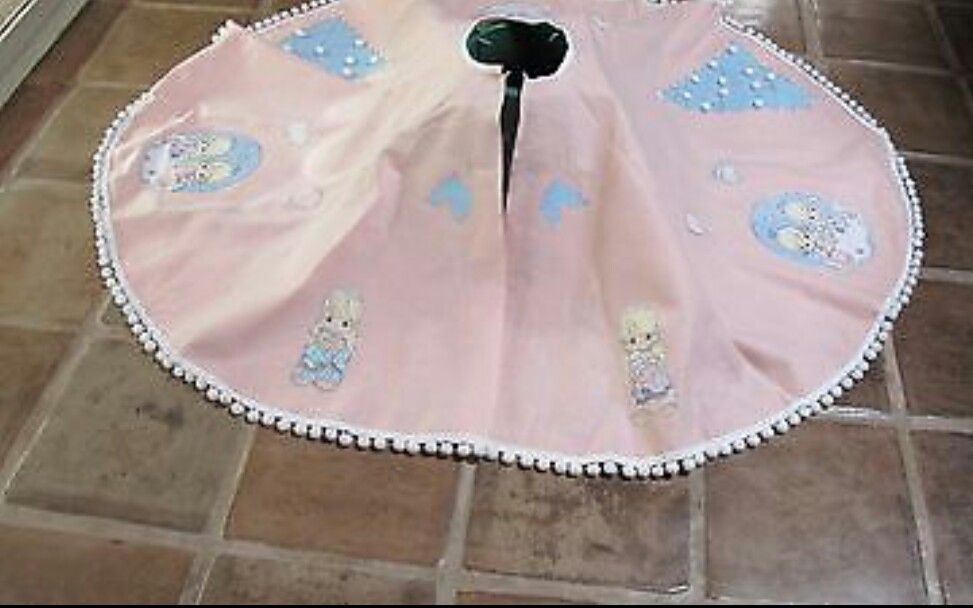 Precious moments tree skirt cute and great for collectors new