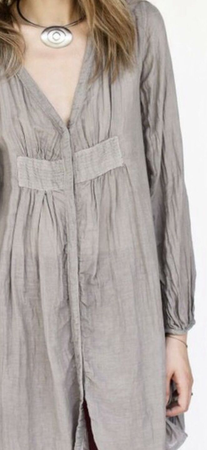 nice linen smock - I like the bodice treatment with gathers.