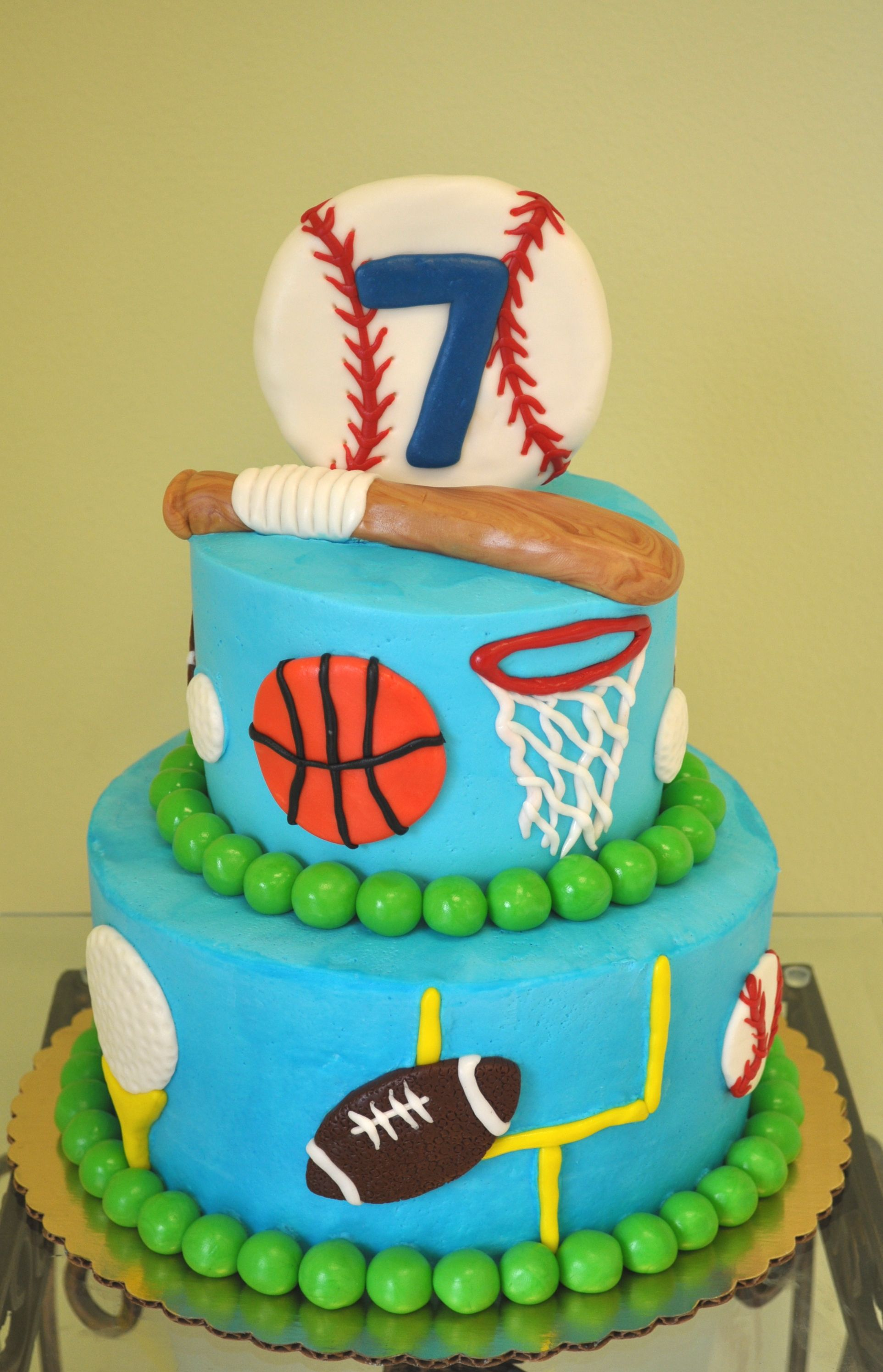 Great Cake Idea For Your Sports Lover