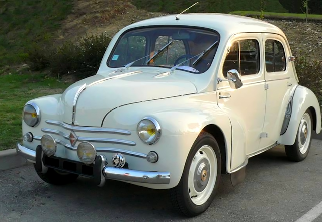 Renault 4cv 1956 I Love These Little Cars It S Like A Cross Between A Beetle And A Morris 1000reepin Carros Classicos Antigos Carros Classicos Vintage Carros