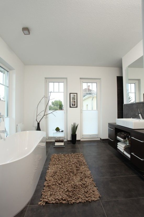 Bad Mit Bodentiefen Fenstern Einrichtungsideen Pinterest