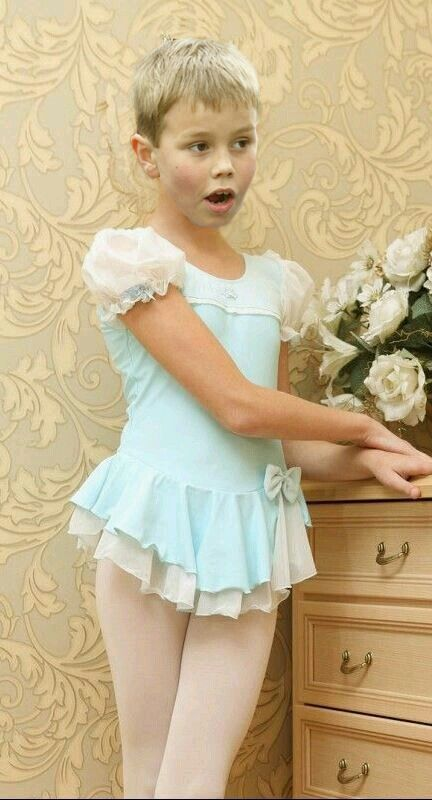 dbf0c92e2872 Mark s secret dressing up place was discovered by his shocked dad ...