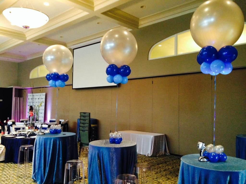 Balloon centerpiece with helium and small