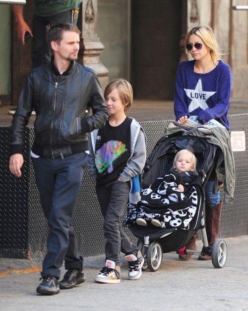 90e7bd37af9e Kate with family