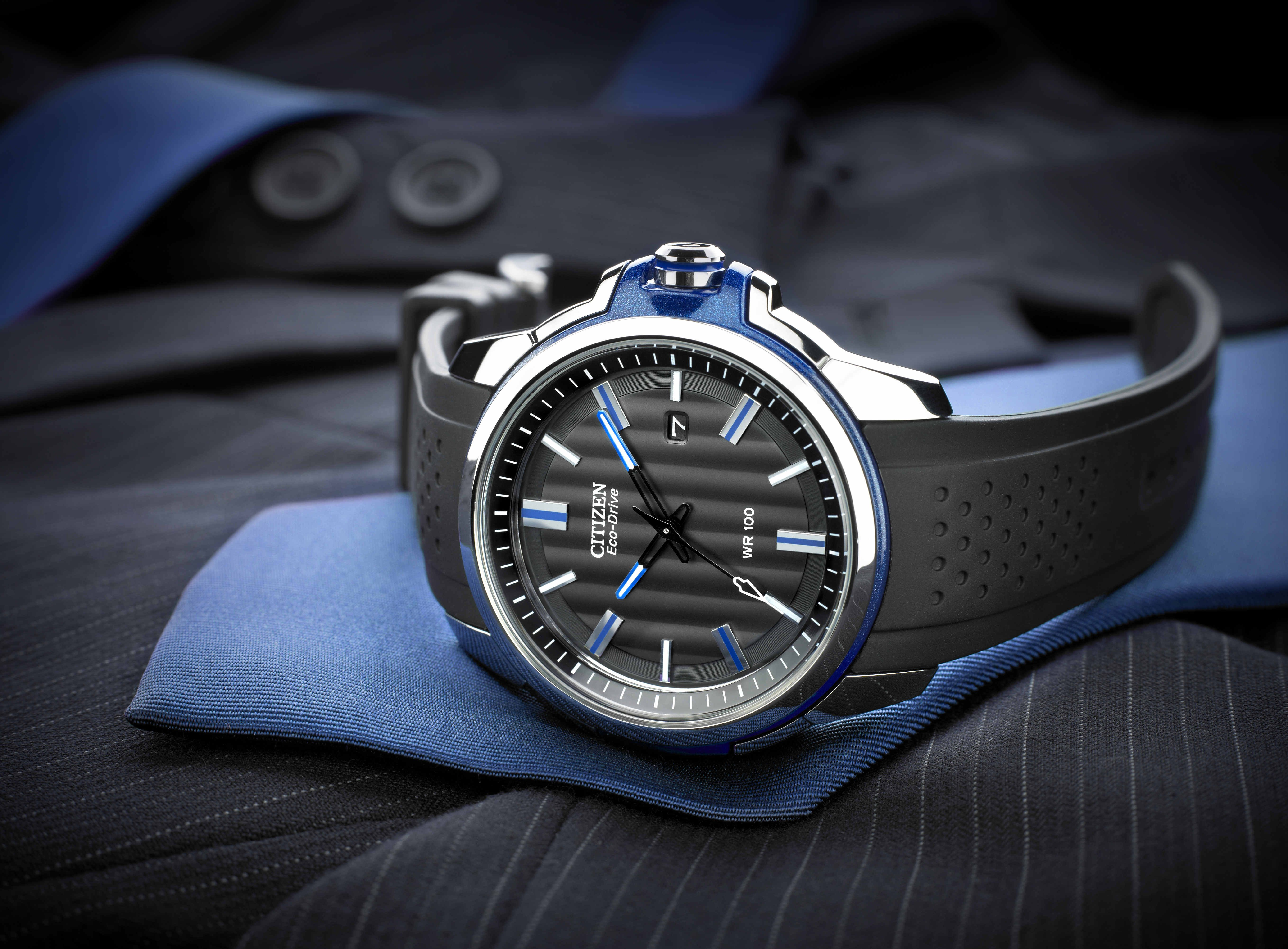 Something different for the office, this timepiece meets sport and style head on.