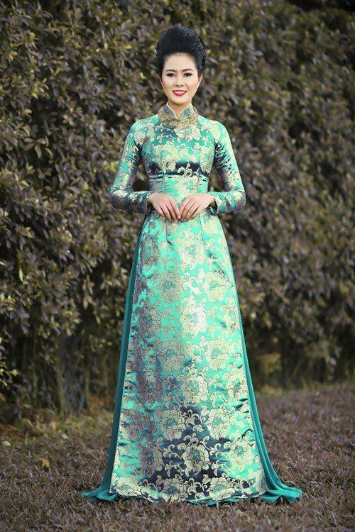 Chọn áo dài sành điệu như phái đẹp Sài thành | Váy, Áo dài