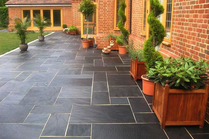 A Slate Paving With A Blend Of Black, Blue And Grey Tones. Nustoneu0027s  Blue Black Slate Patio Kit Consists Of Four Sizes U2013 A Total Of 58 Pieces,  Covering 18m² ...