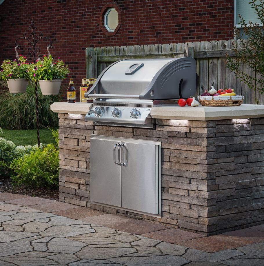 Belgard Elements Are Built In A Factory Setting And Shipped In Sections To Be Quickly Instal Outdoor Kitchen Kits Outdoor Grill Island Outdoor Stone Fireplaces