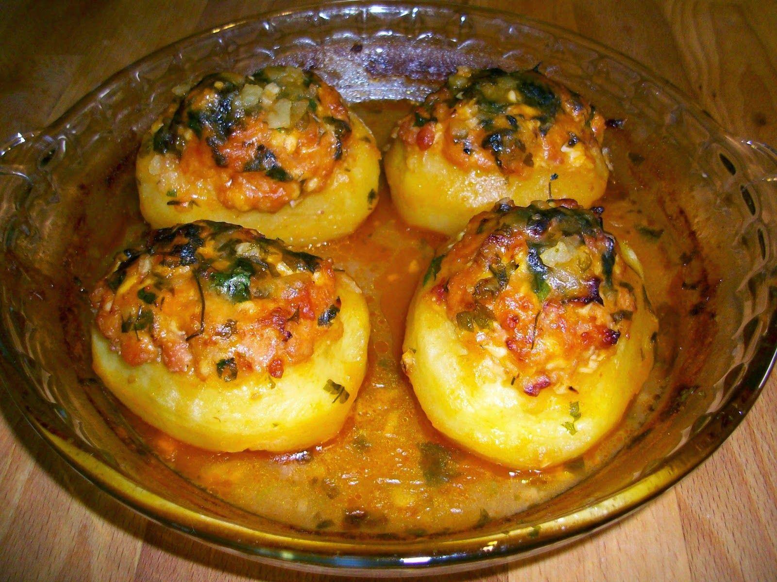 Paso A Paso Ingredientes 4 Patatas De Tamaño Regular 150 Gr De Carne Picada 50 Gr Beicon Media Cebolla Peq Patatas Rellenas Al Horno Patatas Patata Rellena