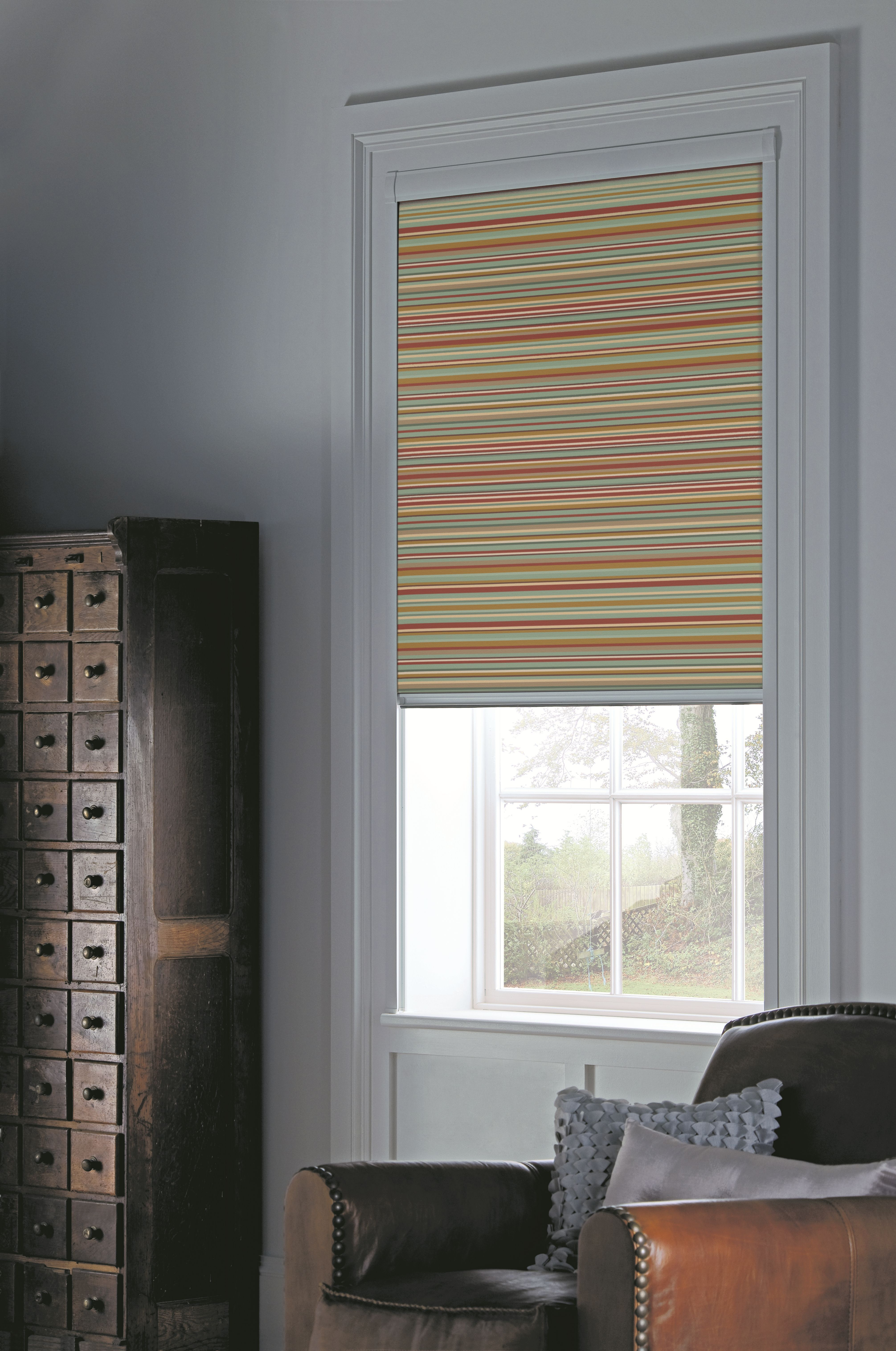 We measure and fit blackout blinds and bloc blinds blindsforwindows