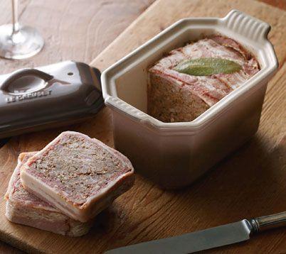 肉のうまみが濃縮された、混ぜて焼くだけの本格ビストロメニュー。