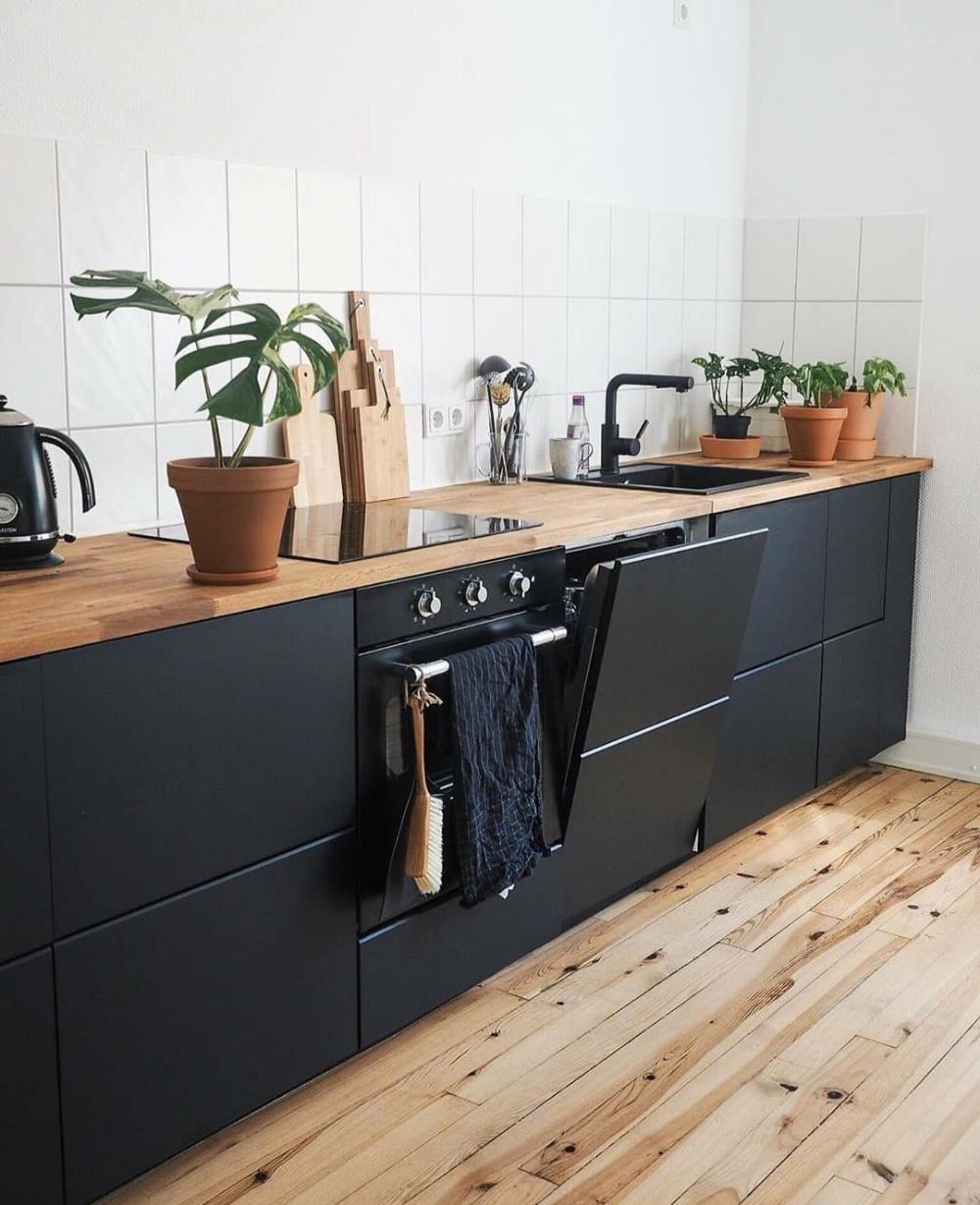 Black Cabinetry Kitchen Inspiration Homeaura Kitchens Without Upper Cabinets Kitchen Interior Kitchen Design