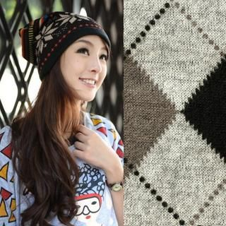 Buy 'Amadore – Argyle Print Circle Scarf' at YesStyle.com plus more Hong Kong items and get Free International Shipping on qualifying orders.