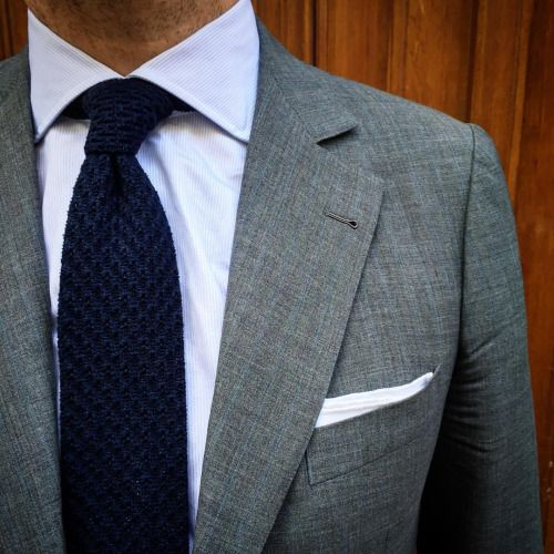 Stone gray suit + navy knit tie. Always a great combo! in