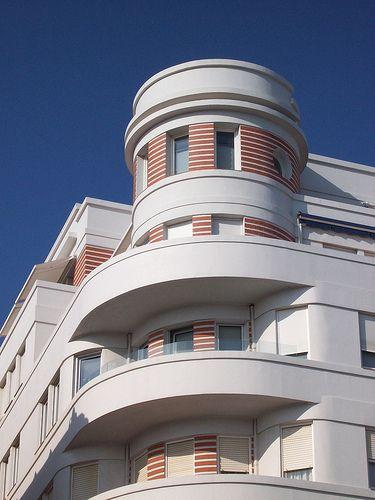 art deco building in Santander / Spain 1931: Arq. Marrero