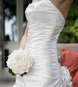 Single Rose Wedding Bouquet | Wedding Ideas