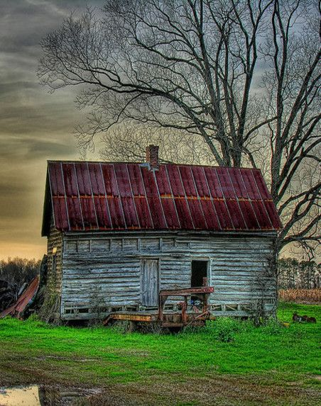 Small Country Living Room Ideas: Small Old Farm House