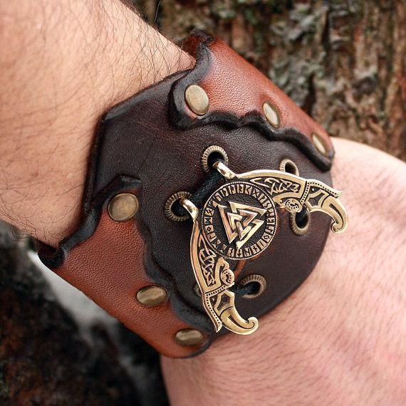 Futhark Valknut Triple Odin Horn Pendant Leather Bracelet