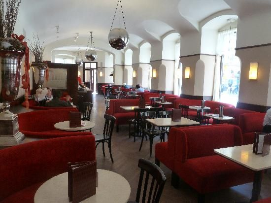 Cafe museum adolf loose restaurant city restaurants for Interior designer famosi