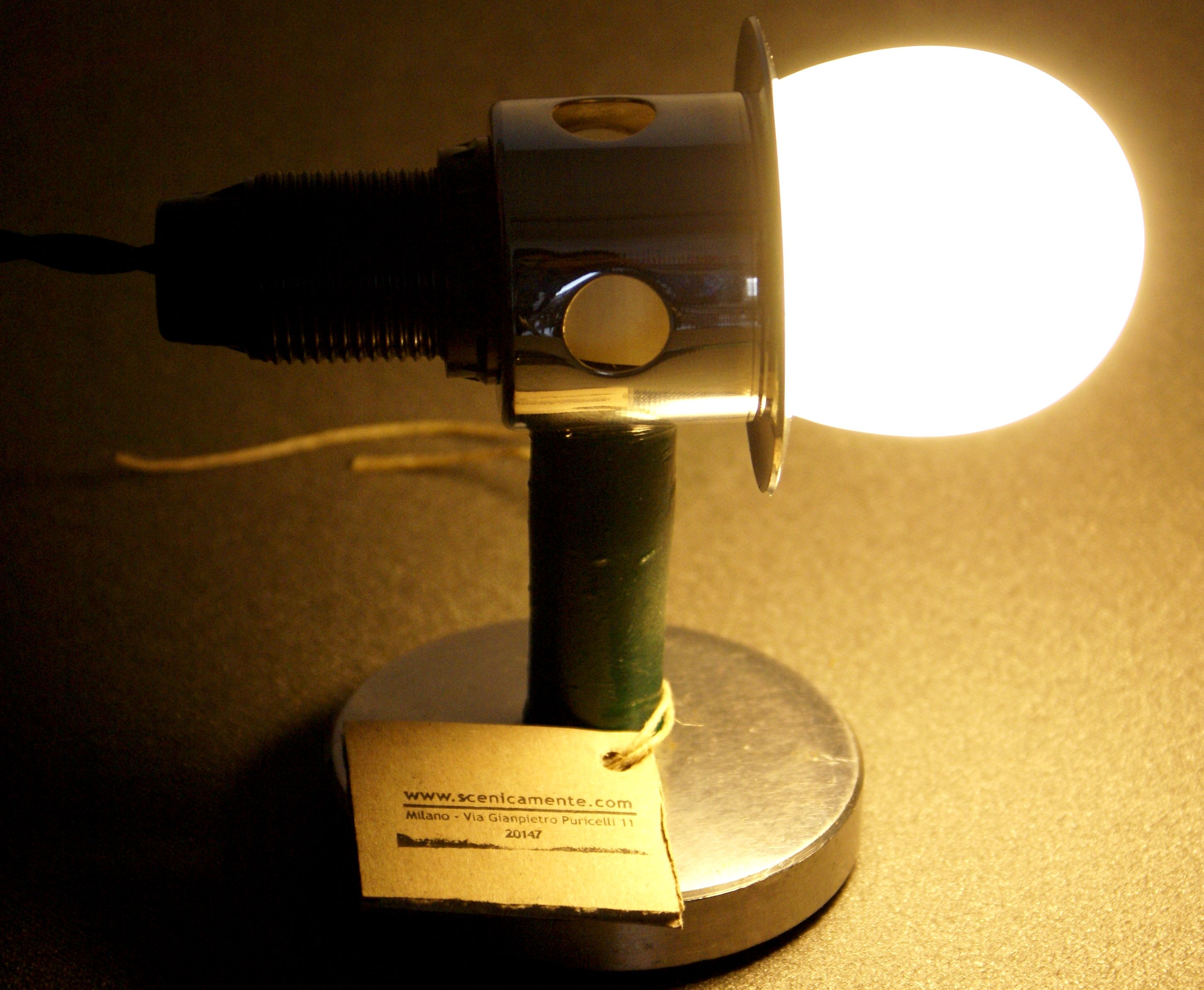 lamp created with industrial materials recovery