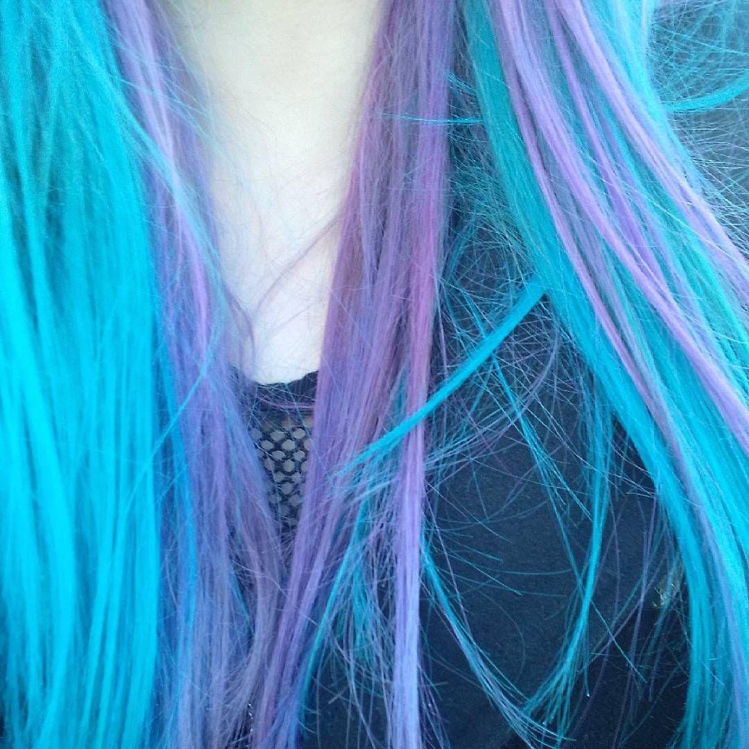 Flamingo Pink Lagoon Blue Mix From Infashionchains Directionshair Directionshaircolour Larichedirections Lariche Hair Color Hair Alternative Hair
