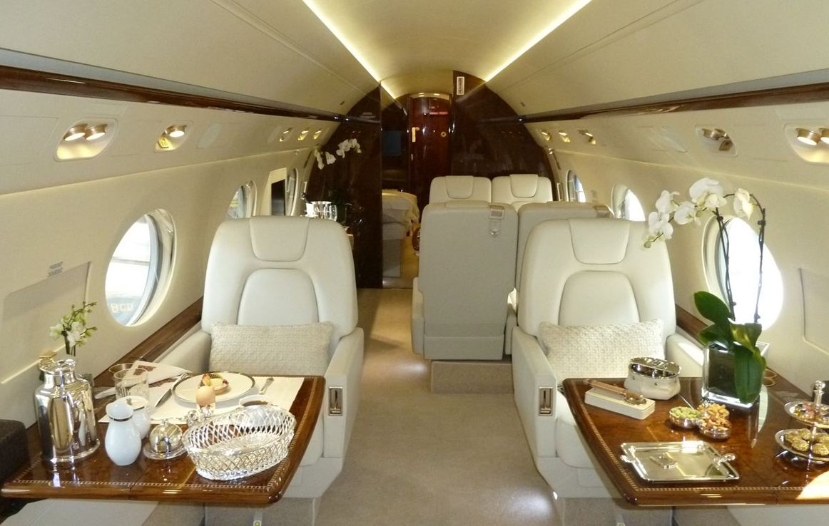 Gulfstream g350 heavy jet for private jet charter charter