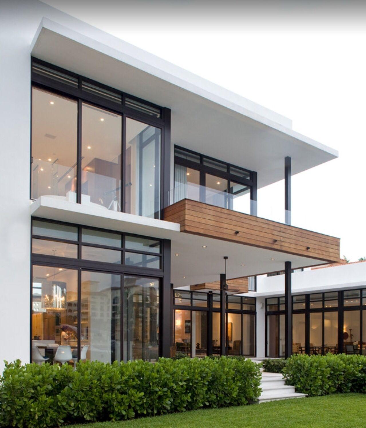 Pin de sasha design en house pinterest fachadas casas for Ambientes casas modernas