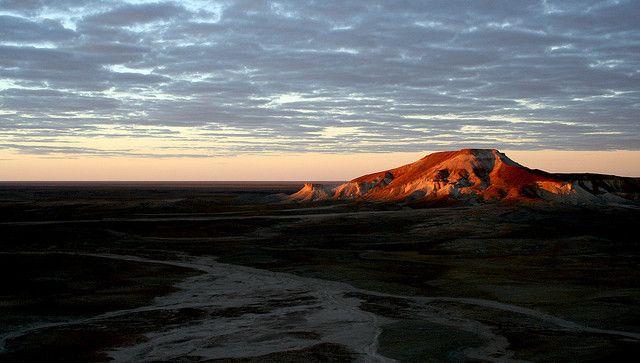 20080509 Sunrise, Mount Arkaringa, Painted Desert, South Australia 013 by gakout, via Flickr