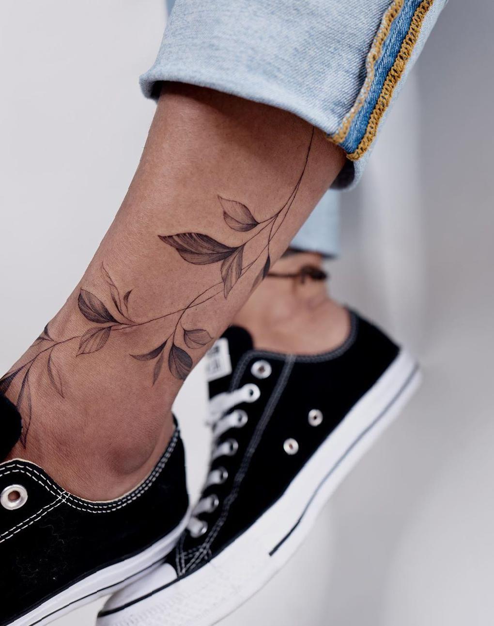Best Leg Tattoo Idea Images for Women - SooShell
