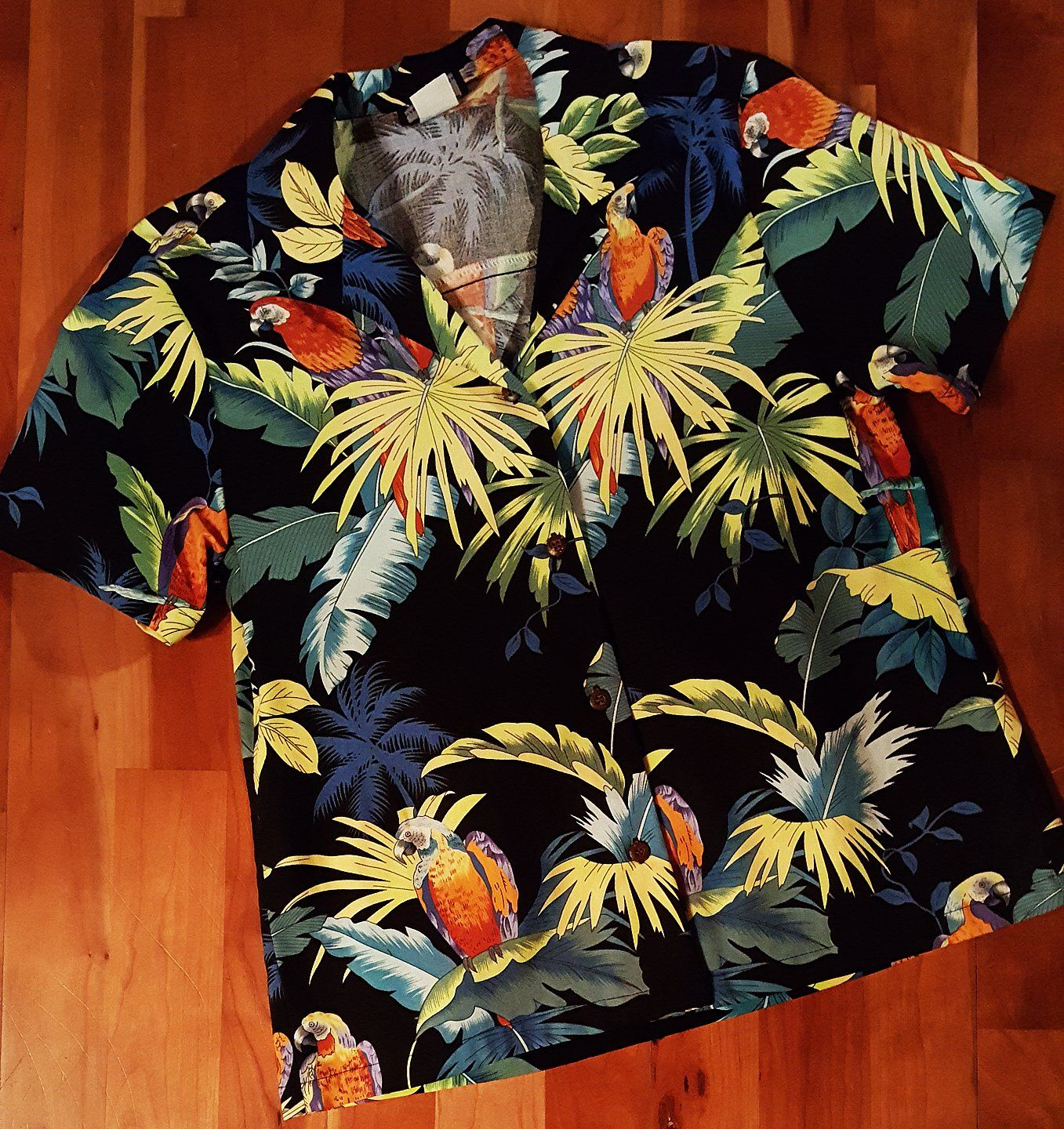 a53a0018 Ladies Parrot Hawaiian Camp Shirt by RJC - Open Collar - Coconut Buttons -  100% Cotton - Matching Men's, Girl's & Boy's Made in Hawaii - USA
