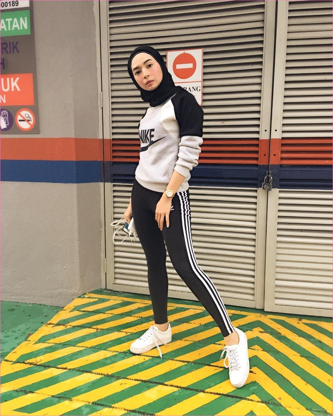 Outfit Baju Hijab Casual Untuk Olahraga Ala Selebgram 2018 Hijab Pashmina Jaket Sweater Legging Nike A Di 2020 Baju Olahraga Wanita Perlengkapan Hijab Pakaian Olahraga