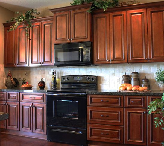 Maple Kitchen Home Products On Houzz Maple Kitchen Cabinets Traditional Kitchen Cabinets Cherry Cabinets Kitchen