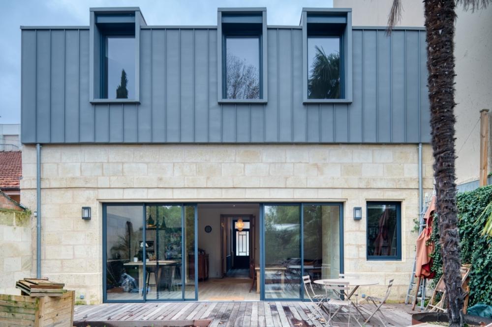 Surélévation partielle d'une échoppe Martins architecture en 2020 | Élévation maison, Bardage ...