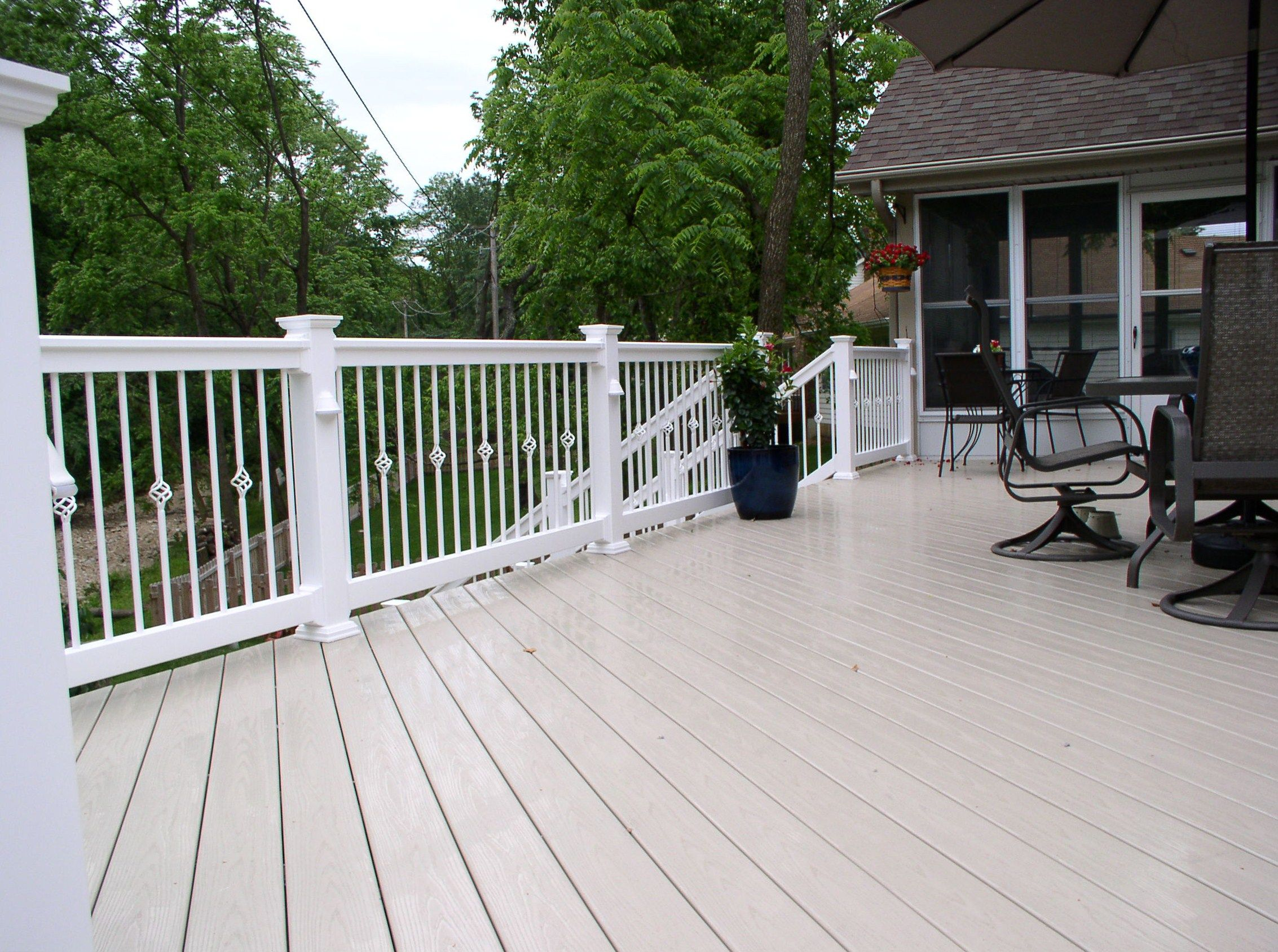 Veka decking made out of vinyl and glass totally maintenance veka decking made out of vinyl and glass totally maintenance free deck railing systemsdeck baanklon Image collections