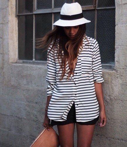 Stripe Shirt Tan Clutch White Fedora Gestreifte Rocke Mode Outfit
