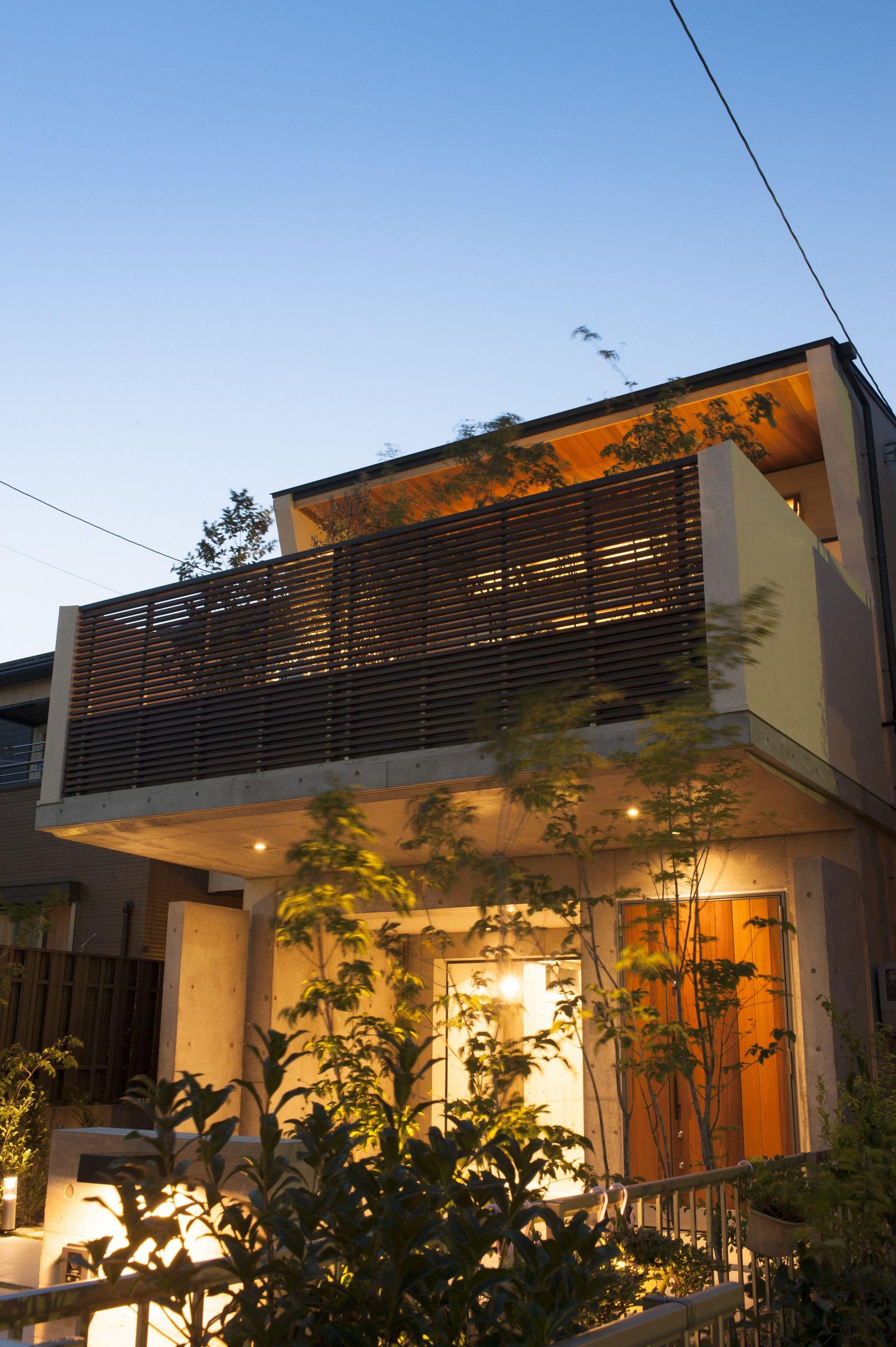 ガーデンテラスのある家 画像あり 小さな家の外観 家の外壁 家 外観