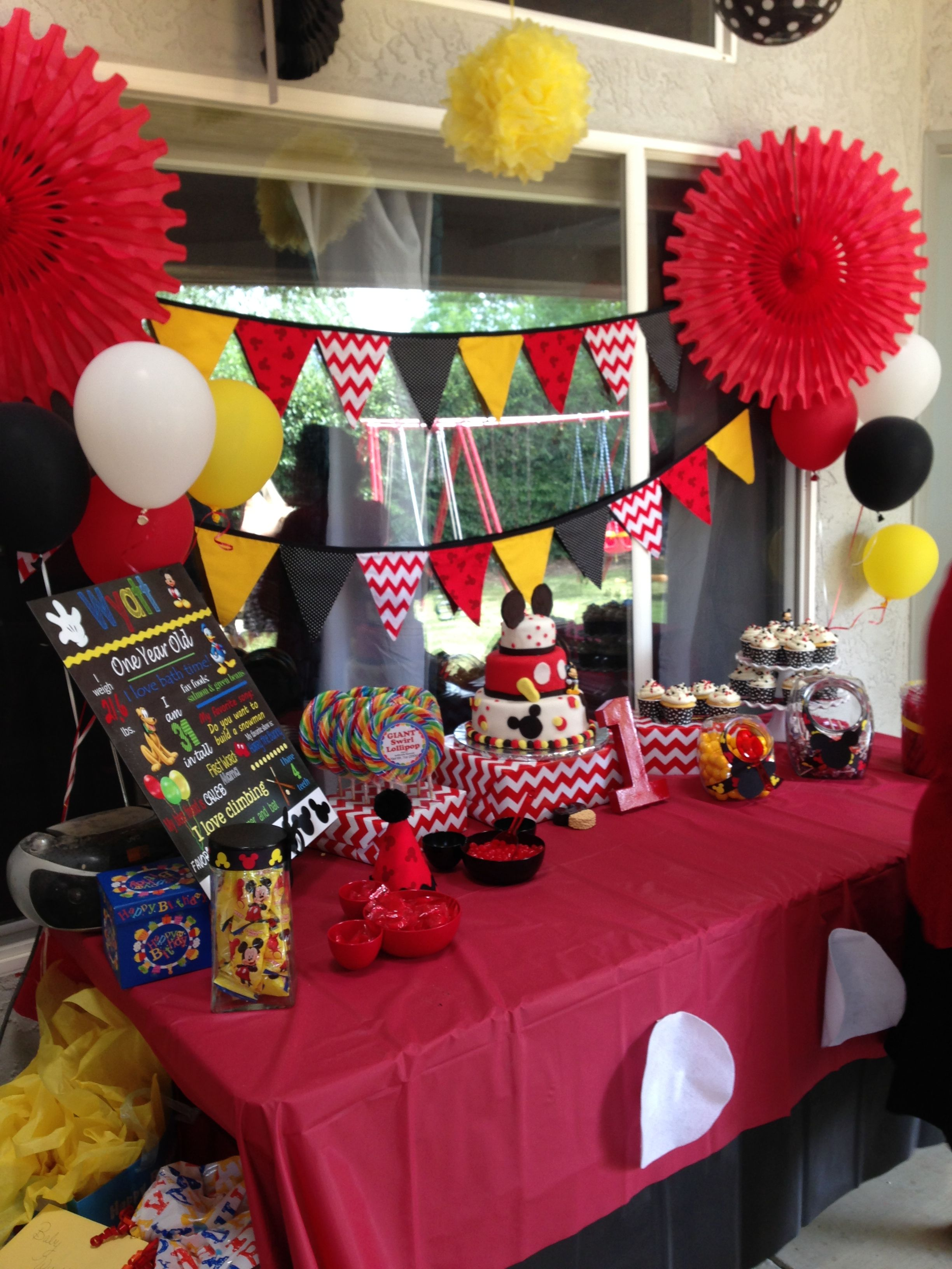 Mickey Mouse Birthday Party Idea For Display Cake Table Layou Mickey Mouse Clubhouse Birthday Party Mickey Mouse Clubhouse Party 1st Birthday Party Decorations