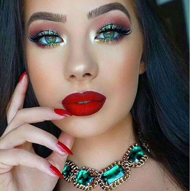 Christmas Red Lipstick Looks Eye Makeup Christmas Makeup Look