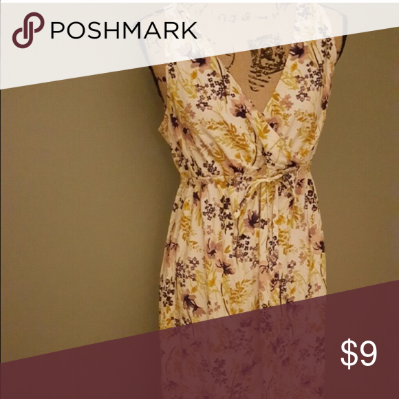 """Beautiful floral maxi maternity dress Silky under layer, tie along waist, very comfortable, out with blazer or jean jacket, 51"""" total length Old Navy Dresses Maxi"""