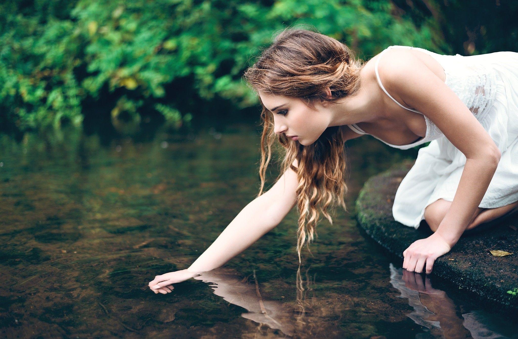 Женщины у воды фото — pic 8