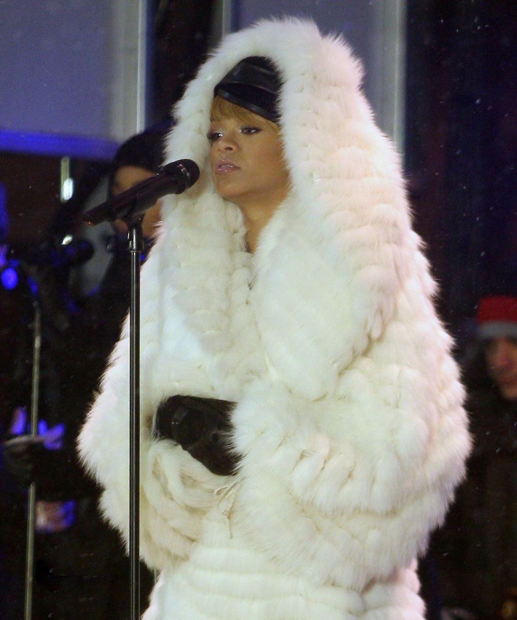 Pin by Мех Bампир on Fur Pins Real Ladies - No Model 36