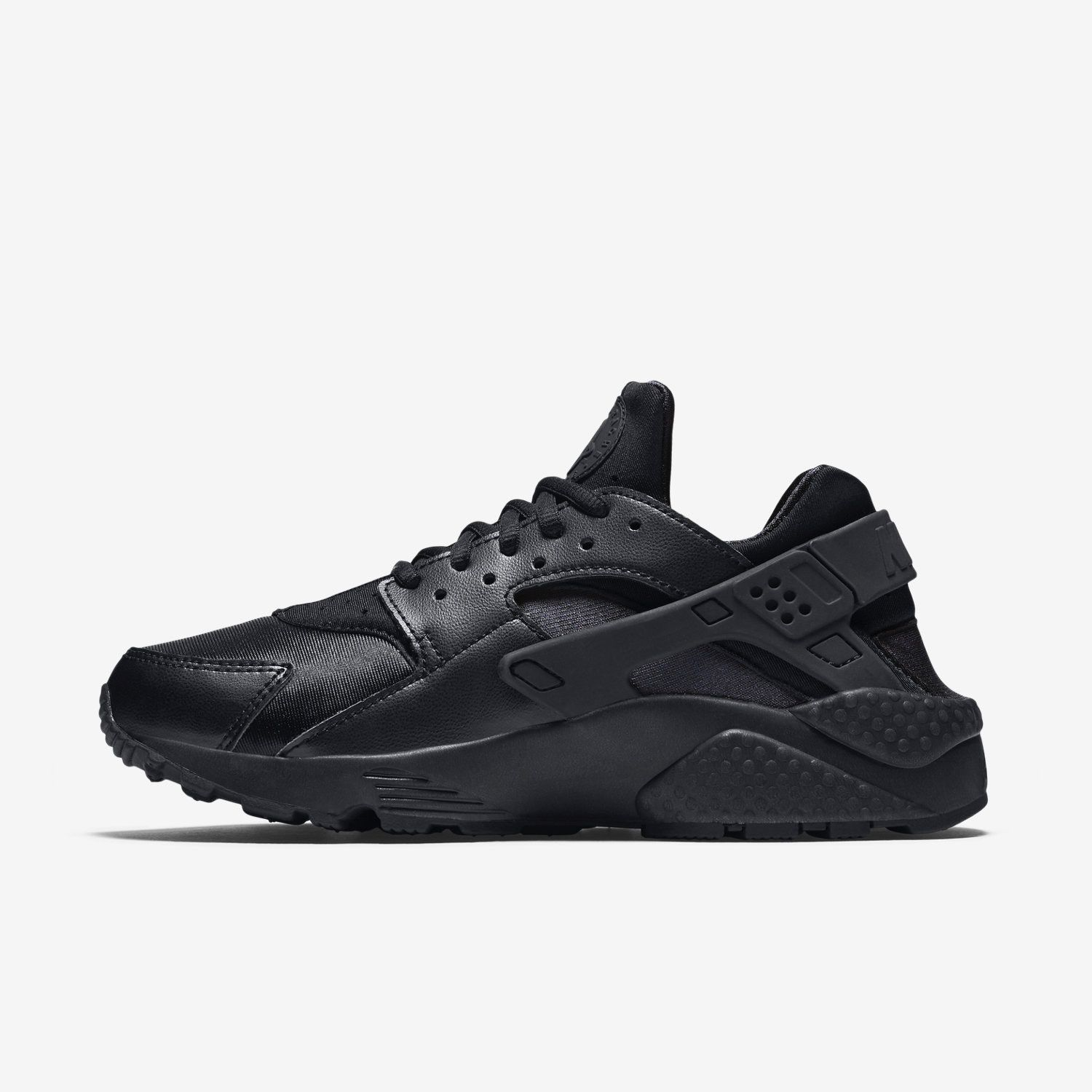 nike air haraches triple black