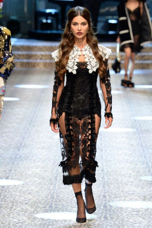 Negin Mirsalehi walks Dolce   Gabbana fall winter 2017 collection – Milan  fashion week.  fashion  runway  dolcegabbana  milanfashionweek  fall2017    ... e5e88ea2e04