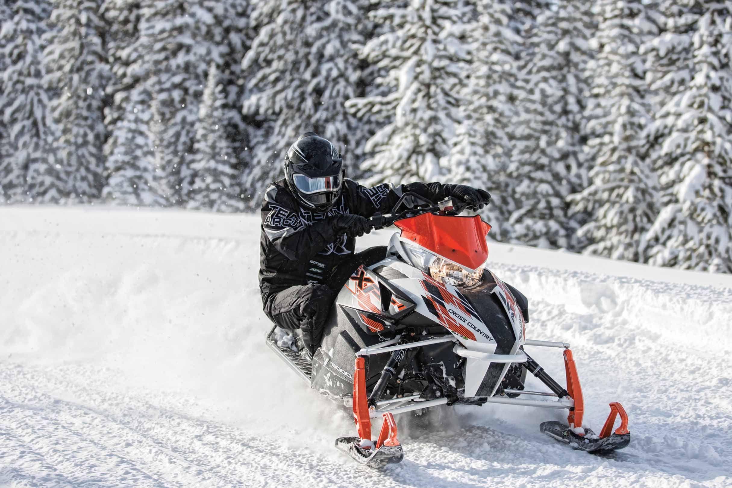 2020 Arctic Cat Snowmobiles Riot