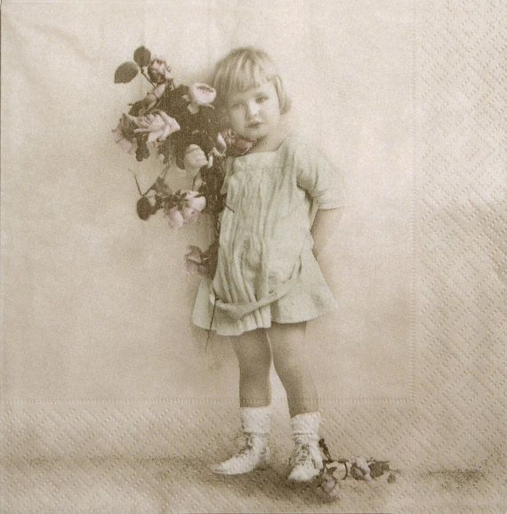 Victorian girl, Vintage girl wih flowers, Paper Napkins for Decoupage, set of 3 paper napkins, 33x33 cm (no.76)