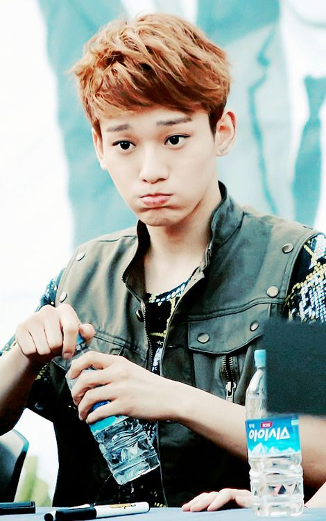 Ohhhh, it's just Chen.... Looking cute while drinking water... And ruining my life... No big deal...
