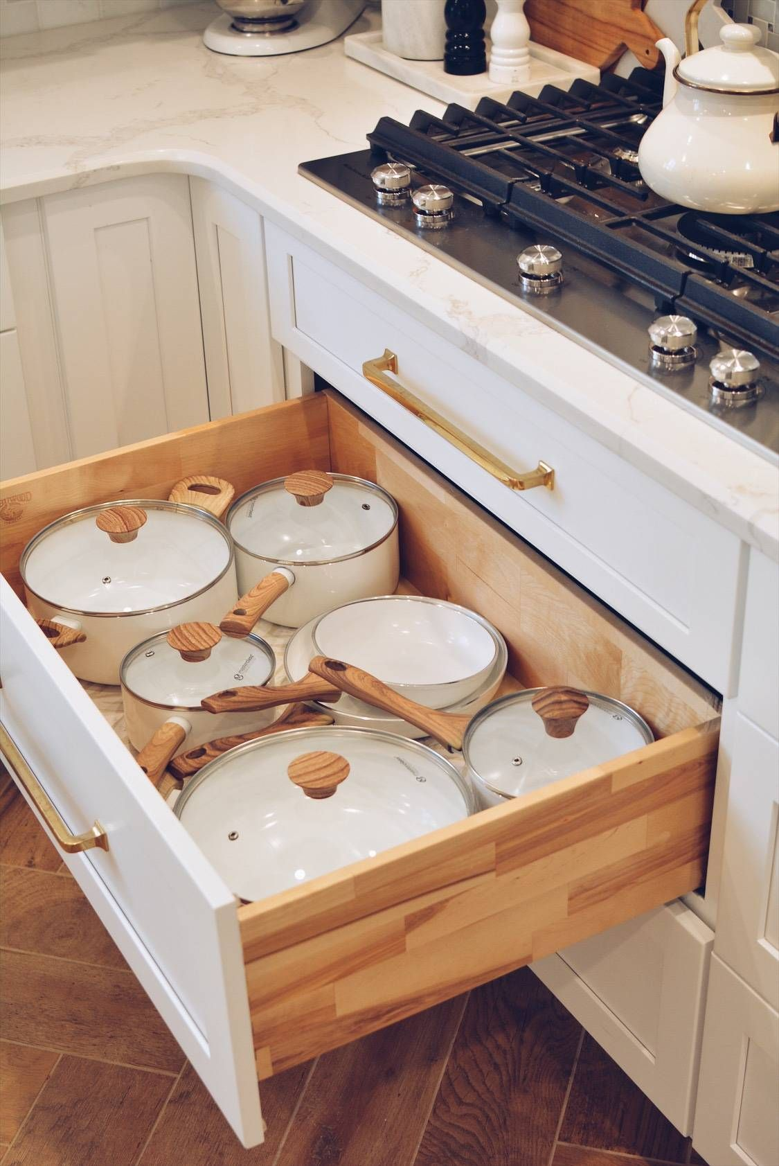 Kitchen Organization: How to Organize Your Kitchen Drawers #cabinetorganization