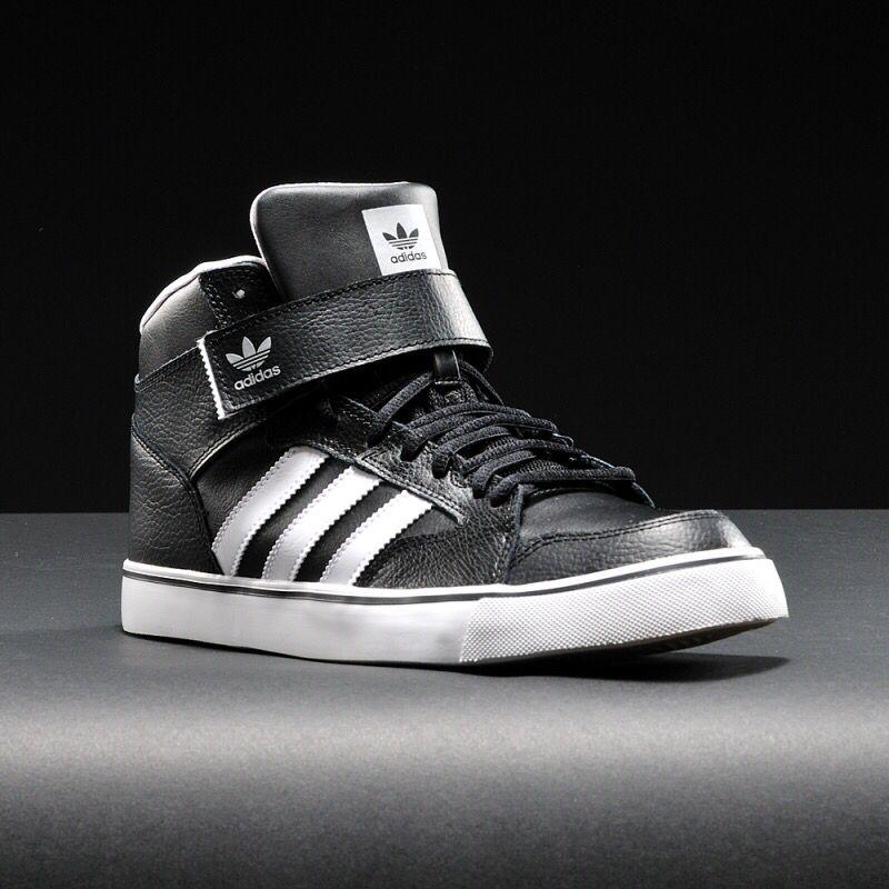 dec17e4233b Tênis Adidas Varial Mid 2  style  AdidasOriginals  LookAdidas .  WWW.BALBINOSHOP.COM.BR R 251
