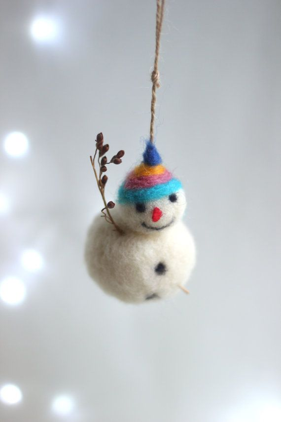Needle Felt Snowman Ornament Little White por FeltArtByMariana